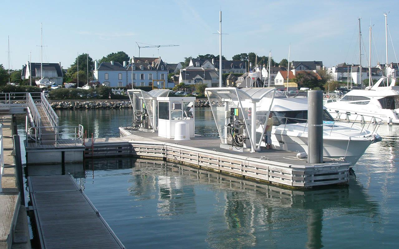 pontons-carburant-metalu_0001_La Trinité 1