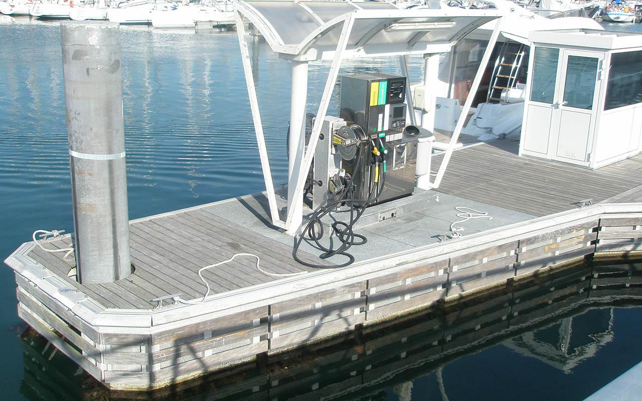 pontons-carburant-metalu_0002_La Trinité 2